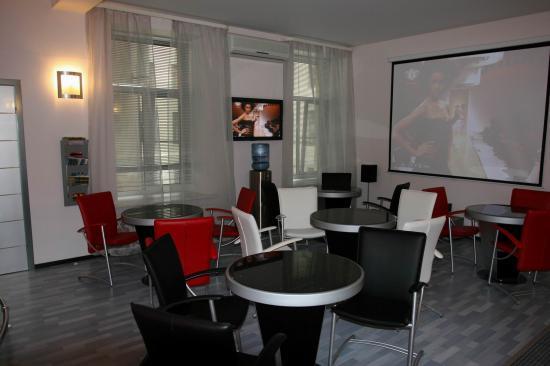 бизнес гостиницы и недорогие отели в центре Петербурга.